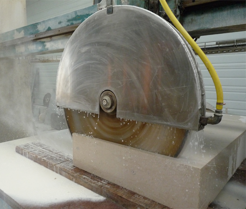 marbre et poêles en fonte à Anderlues